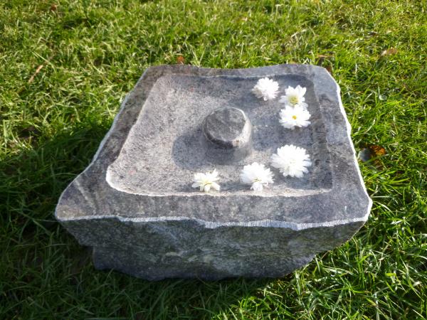 Vogeltränke aus Granit 14, Unikat