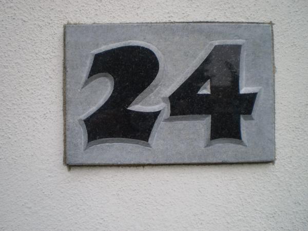 Hausnummer Erhaben/Farbe Nr.1