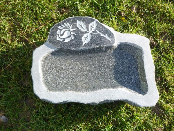 Vogeltränke aus Granit 13, Unikat