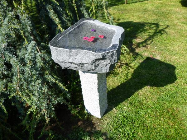 Vogeltränke aus Granit 47, Unikat