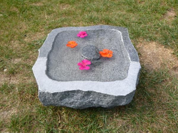 Vogeltränke aus Granit 24, Unikat
