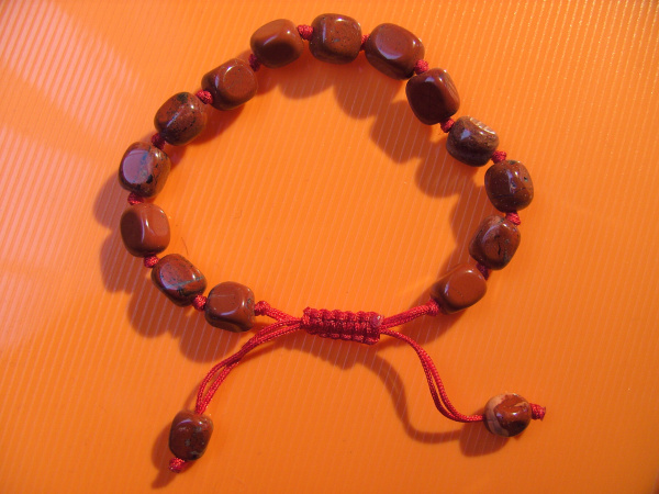 Shamballa Style Armband, Jaspis rot