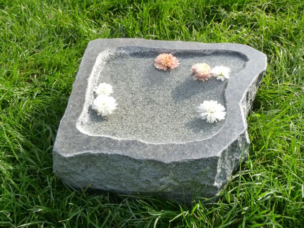 Vogeltränke aus Granit 16, Unikat